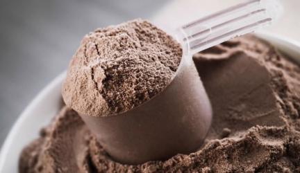 Sprievodca výberom kvalitného ochuteného srvátkového proteínu – Posvieťte si na ich zloženie na sladidlách a arómach totiž záleží !